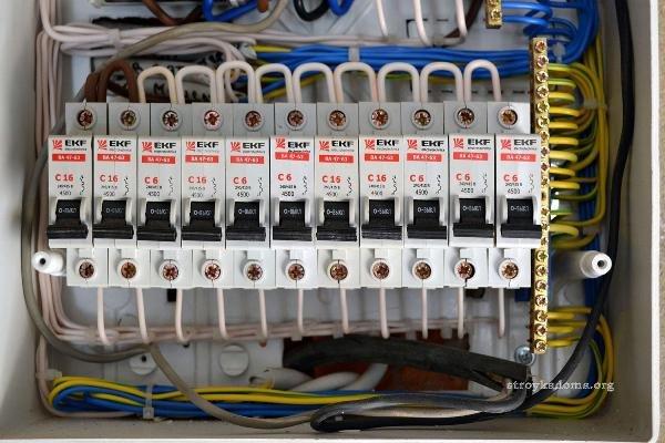 Комплект автоматических выключателей