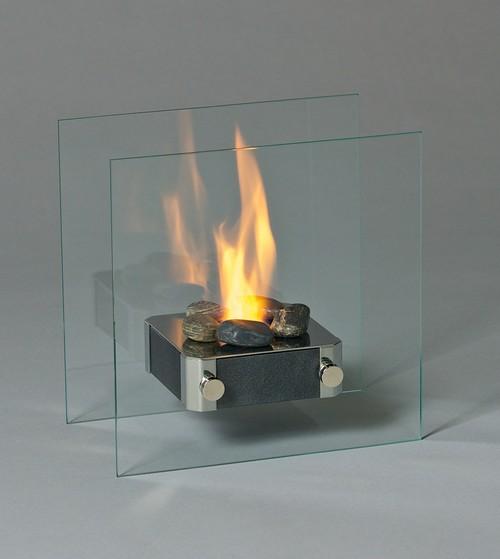 Если устройство должно выполнять исключительно декоративную роль, не менее эффектно будут смотреться небольшие биокамины с компактным огоньком.
