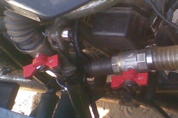 Шаг 15: Установка шаровых кранов на подающие газ трубы