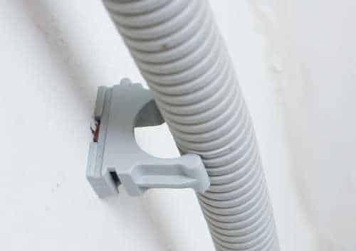 Гофра для кабеля, устанавливаемая на клипсу