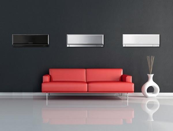 Красный диван и три кондиционера
