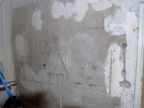 Визуальное выделение штроб на фоне стен