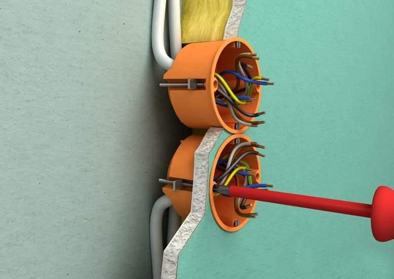 В большинстве случаев установка розеток в гипсокартон не занимает много времени, и может быть проведена самостоятельно