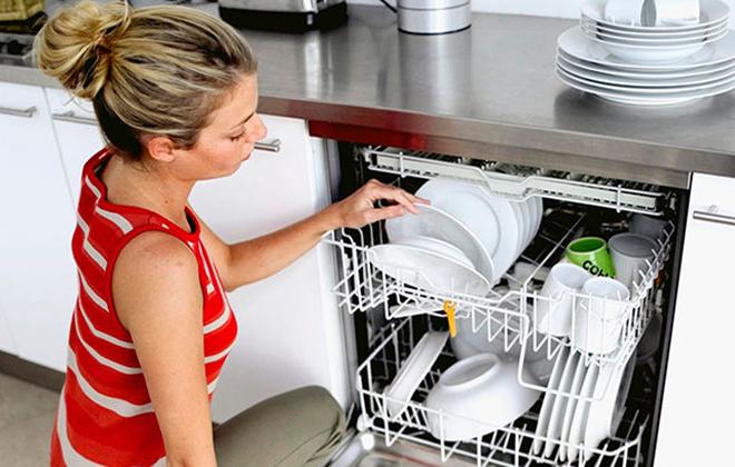 Загрузка посудомойки