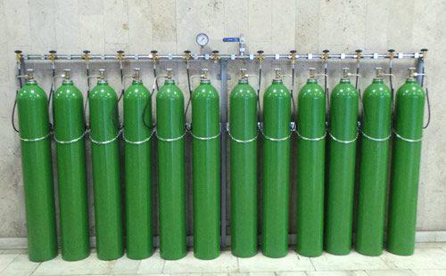 Газовая рампа с баллонами