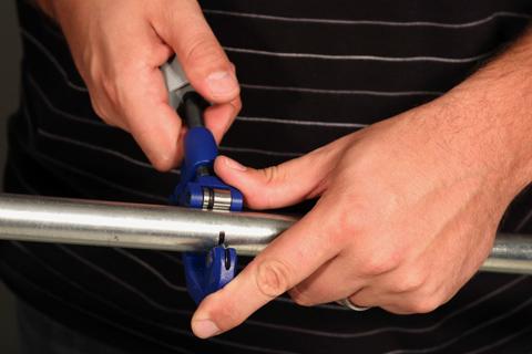 роликовый труборез для стальных труб