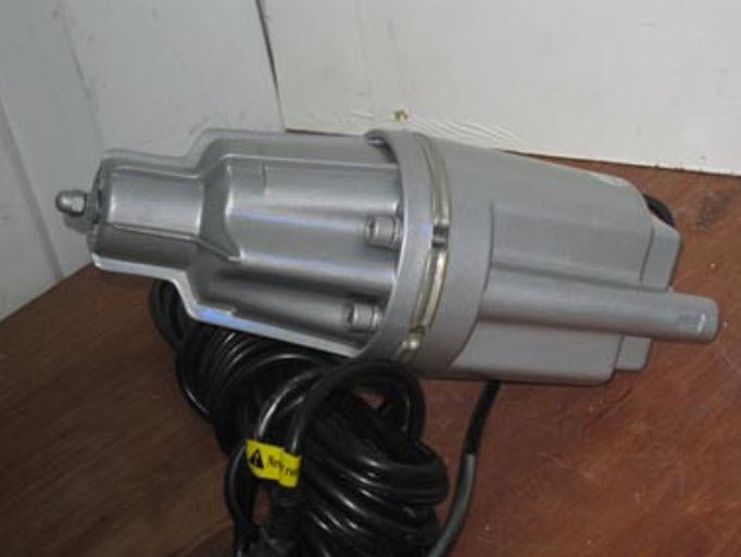 Погружной насос с кабелем
