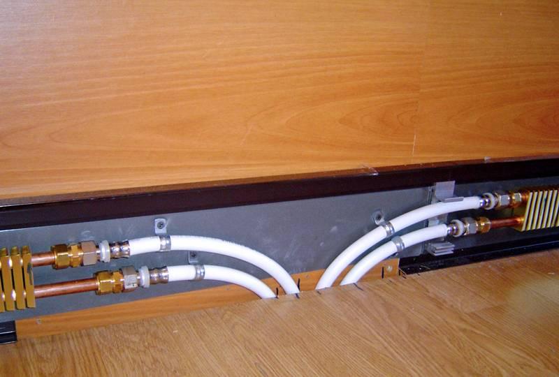 Подключение в комнате осуществляется через стену или пол