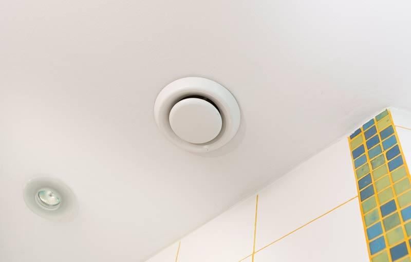 Вентиляция в ванной комнате должна быть эффективной
