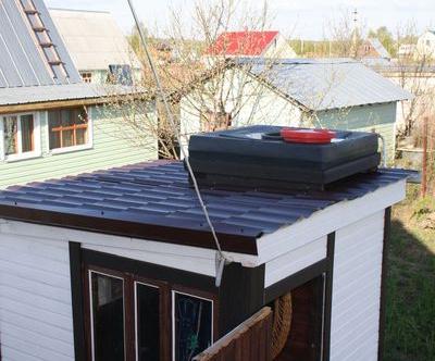 Плоский бак на ровной крыше