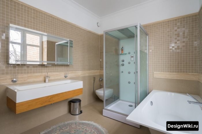Квадратная душевая кабина в ванной