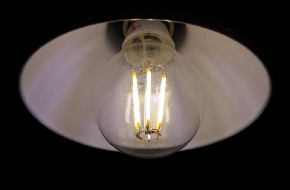 Мерцание светодиодной лампы из-за подсветки