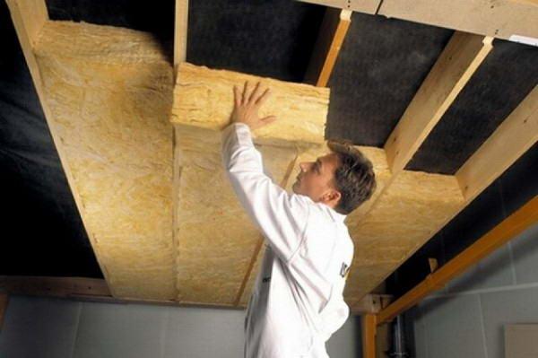 Утепление потолка в доме с холодной крышей как утеплить в частном коттедже как правильно утеплять своими руками