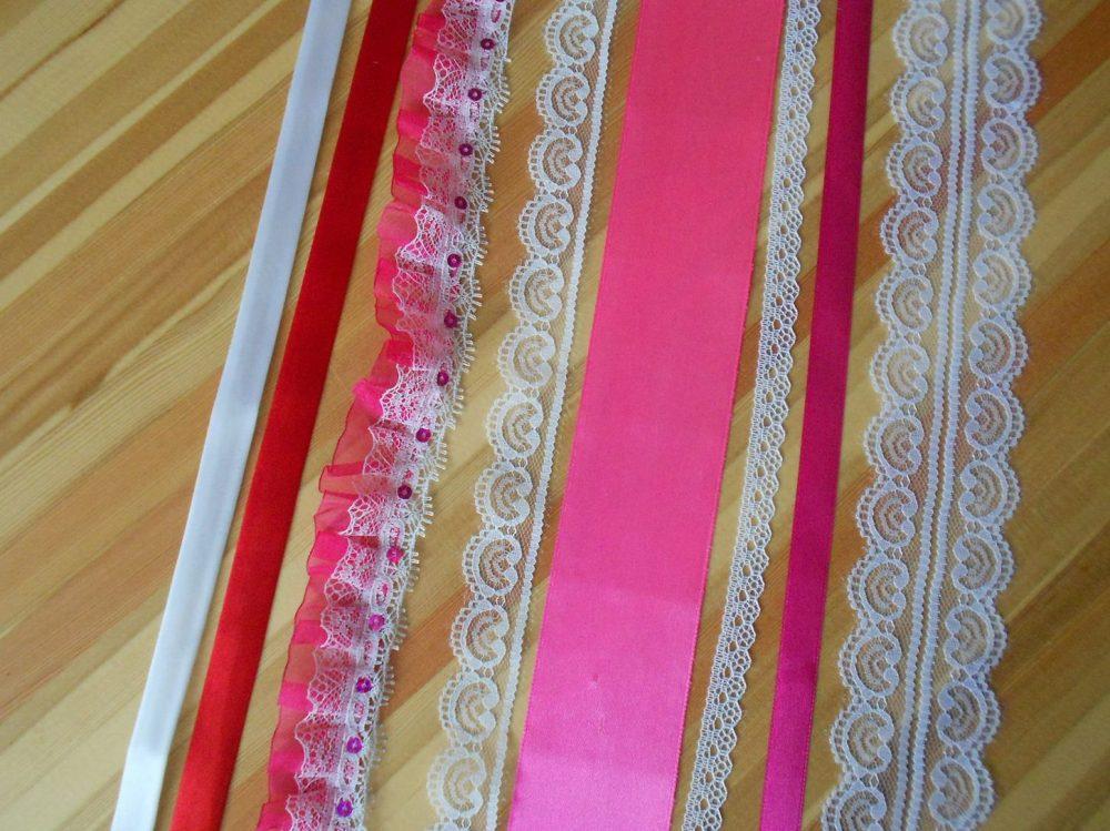 lenty-i-kruzhevo-dlya-dekora-e1536175900474-590x442 Одеяло Бомбон. Мастер класс по изготовлению одеяла бомбон