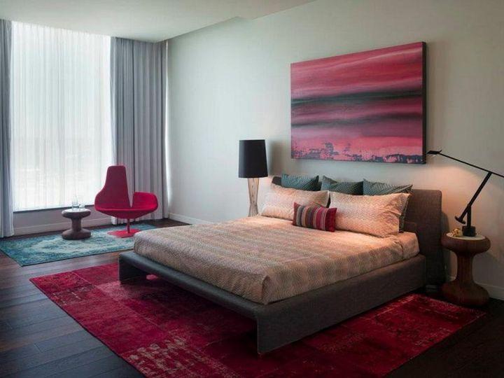 Розово-коричневая спальня