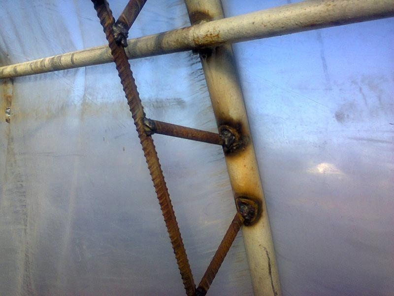 Сварка каркаса из металлических труб и арматуры