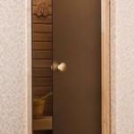 Стеклянные двери для бани - секреты качественного выбора