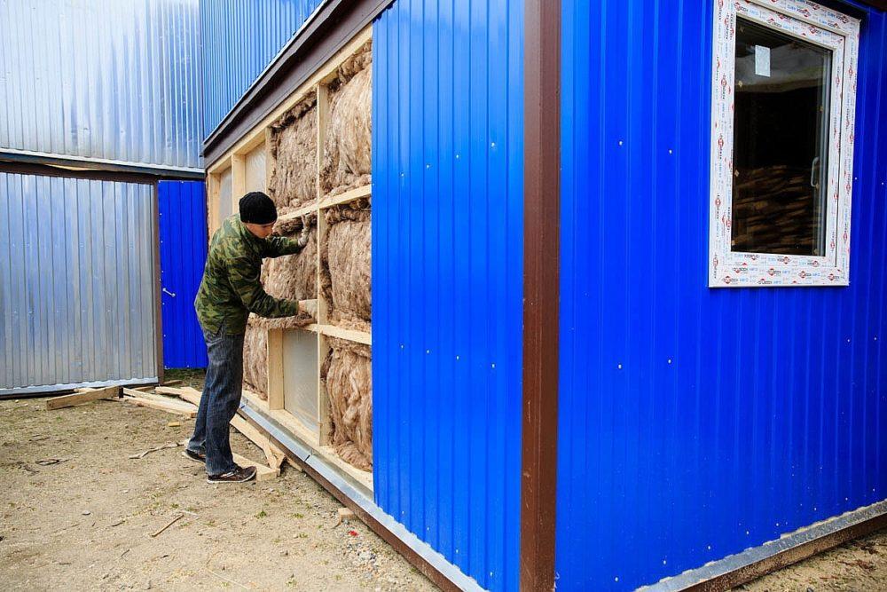 Обшивка и утепление хозяйственной постройки