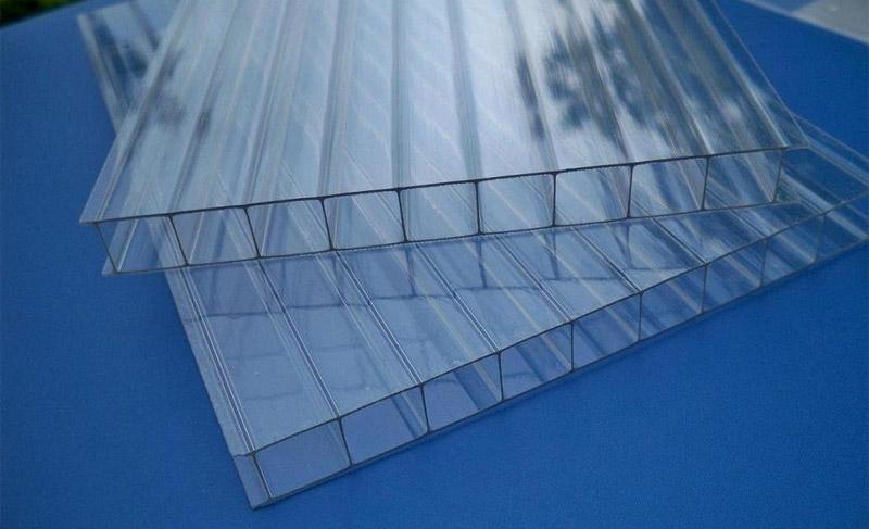 Поликарбонат с квадратными сотами
