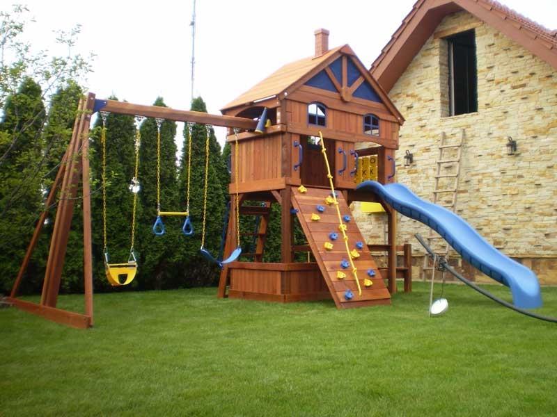 Оформление детской площадки на дачном участке