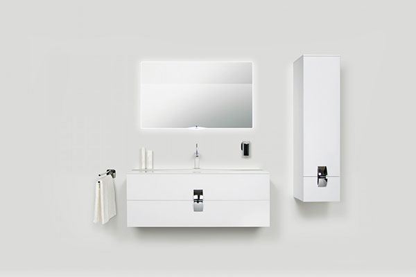 На фото - комплект мебели премиум класса eqloo