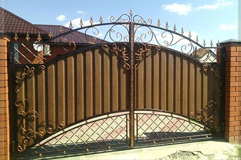 Конструктивные особенности ворот и калиток из профнастила - Распашные