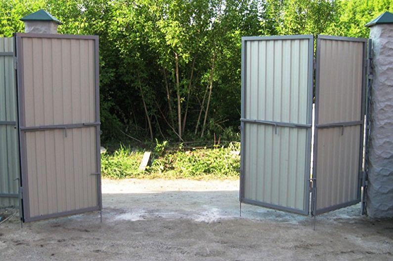 Конструктивные особенности ворот и калиток из профнастила - Раскладные ворота-гармошки