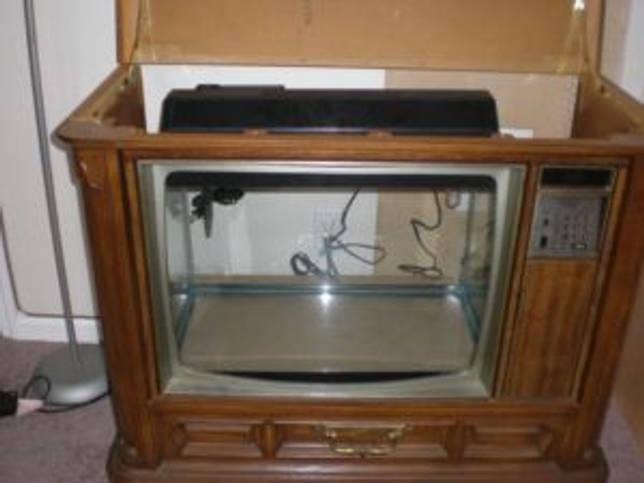 телевизор с вынутым экраном