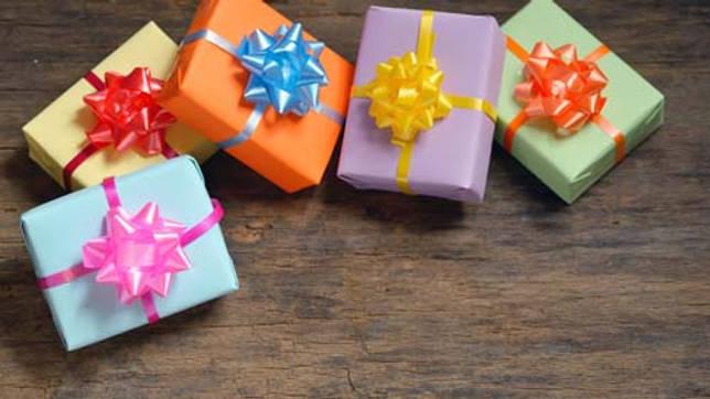 Как оригинально упаковать мобильный телефон в подарок: идеи