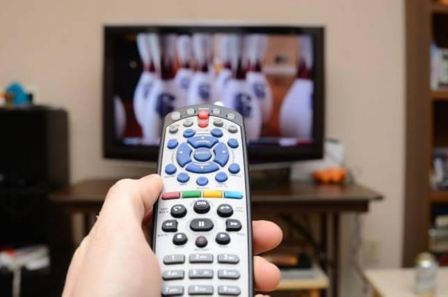 Как подобрать пульт к телевизору: по модели, покупка универсального варианта