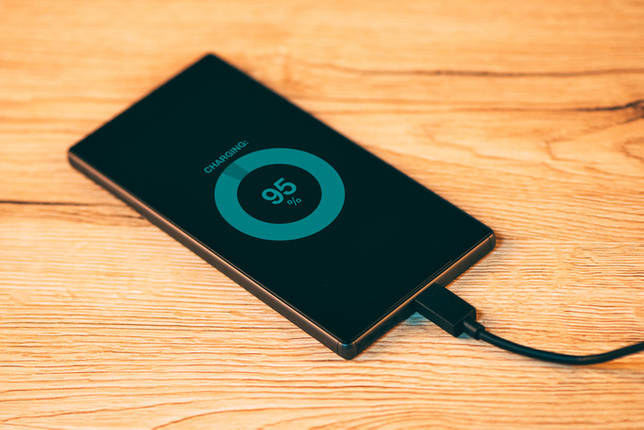 Как правильно заряжать планшет, чтобы не портилась батарея?