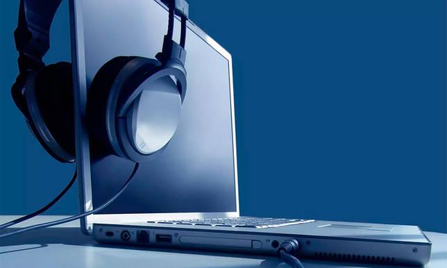 Как увеличить звук в наушниках на компьютере?