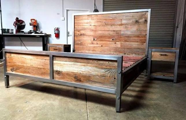 Длинное изголовье кровати на основе дерева и металла