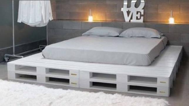 Каркас кровати на основе поддонов