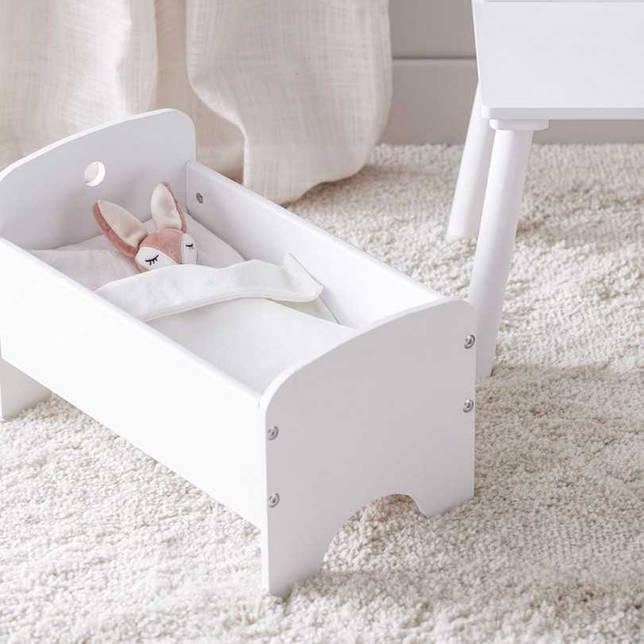 Кроватка для куклы своими руками: как сделать люльку из картона, бумаги, дерева.