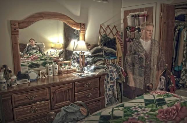 Приметы, почему нельзя ставить зеркало напротив кровати: можно спать напротив зеркала или нет