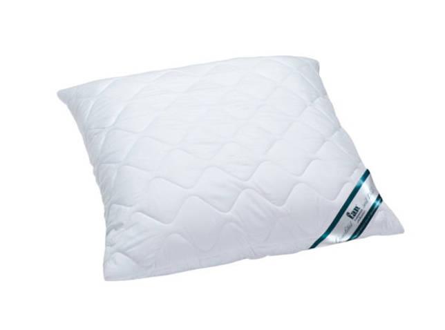 Подушка в чехле с антимикробными свойствами.