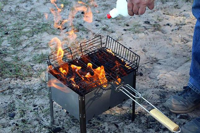 Правильный розжиг мангала на углях: что нужно делать?