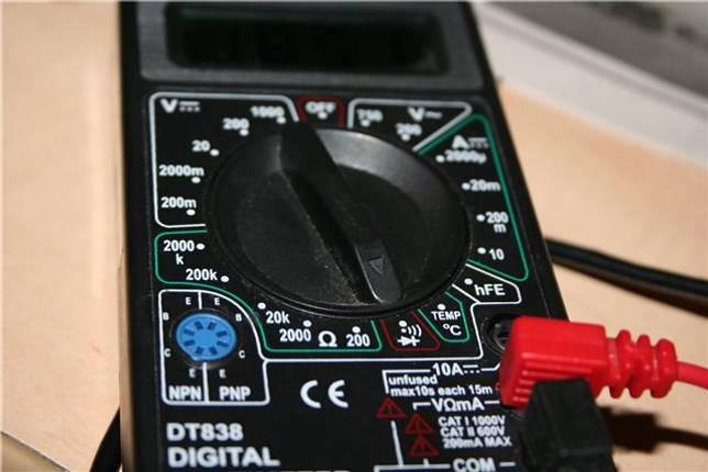 Проверка лампочки мультиметром: тестирование разных ламп