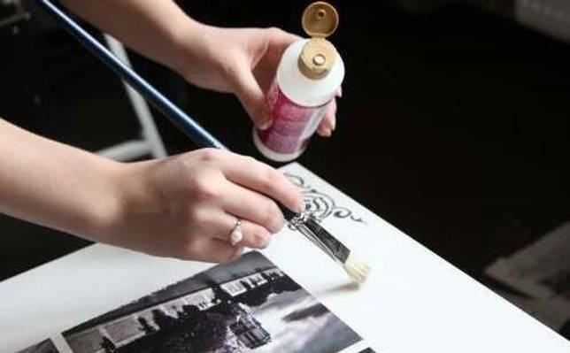 Закрепление рисунков лаком