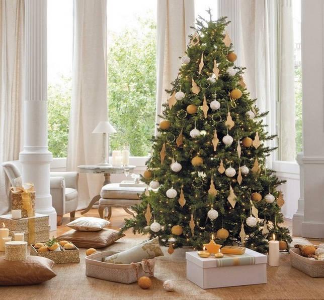Вариант новогоднего золотого декора.
