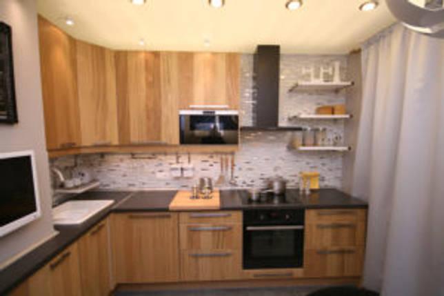 телевизор в кухонном гарнитуре