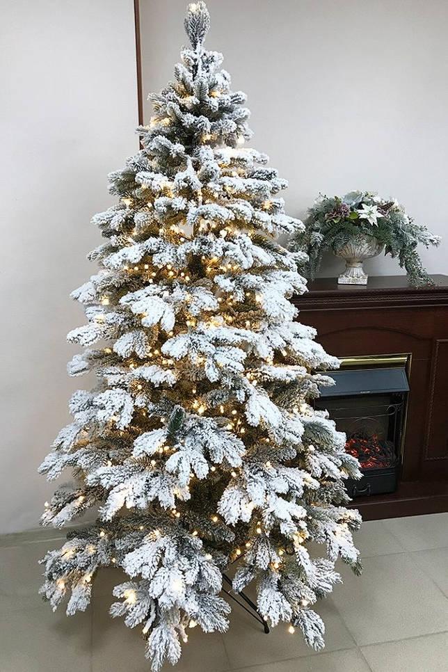 Модные стили украшения елки